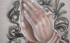 A Dios rogando y con el mazo dando. Refranes con sus Significados